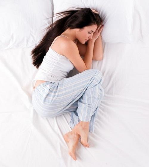 خوابیدن جنینی شکل