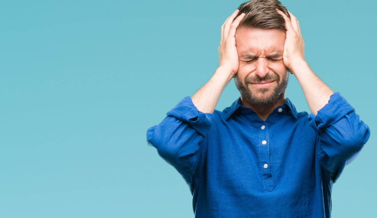 تجربه سردرد در اثر استفاده از بالش نامناسب